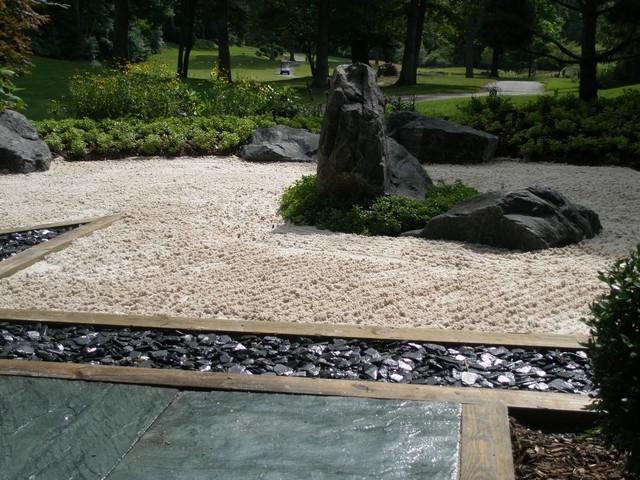 Japanese garden landscape photos for Landscaping rocks grand rapids