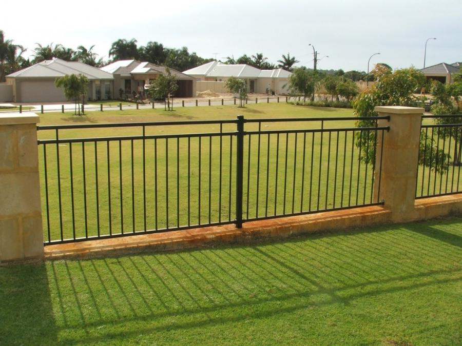 Fence designs photos for Minimalist house fence