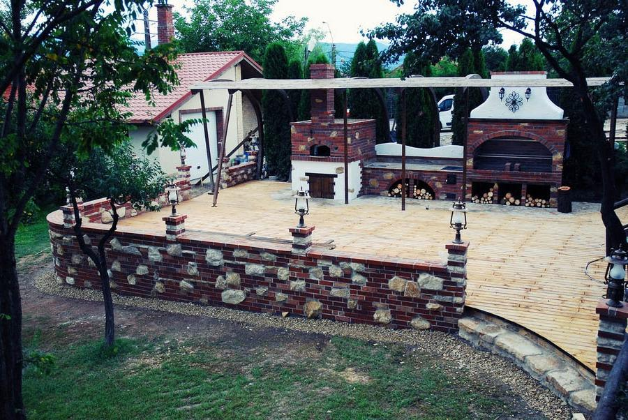Charmant Kitchen : Transilvania Castle Kitchen Best Summer Kitchens Bridge.