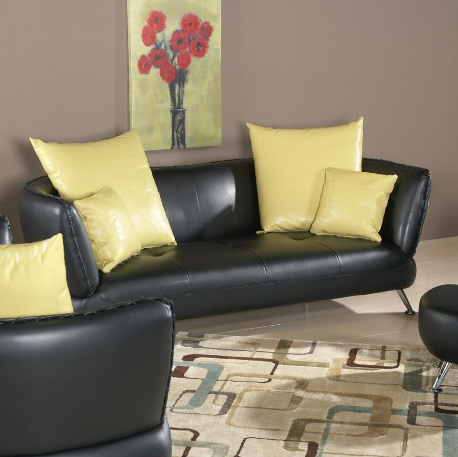 Decorating with black leather furniture photos for Leather living room decorating ideas