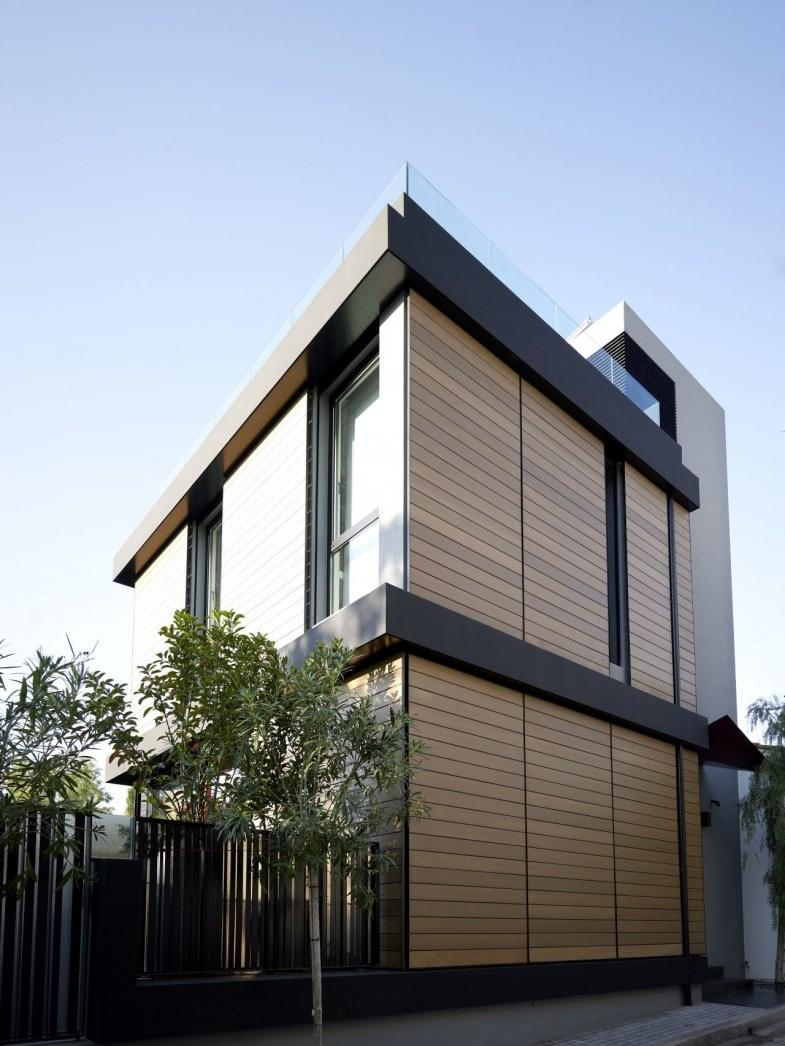 Architecture, Brown And Black Modern Family Hosue Exterior Paint...