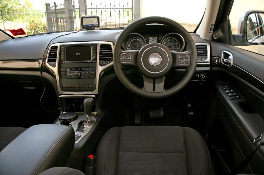 Interior Photos Of 2011 Jeep Grand Cherokee