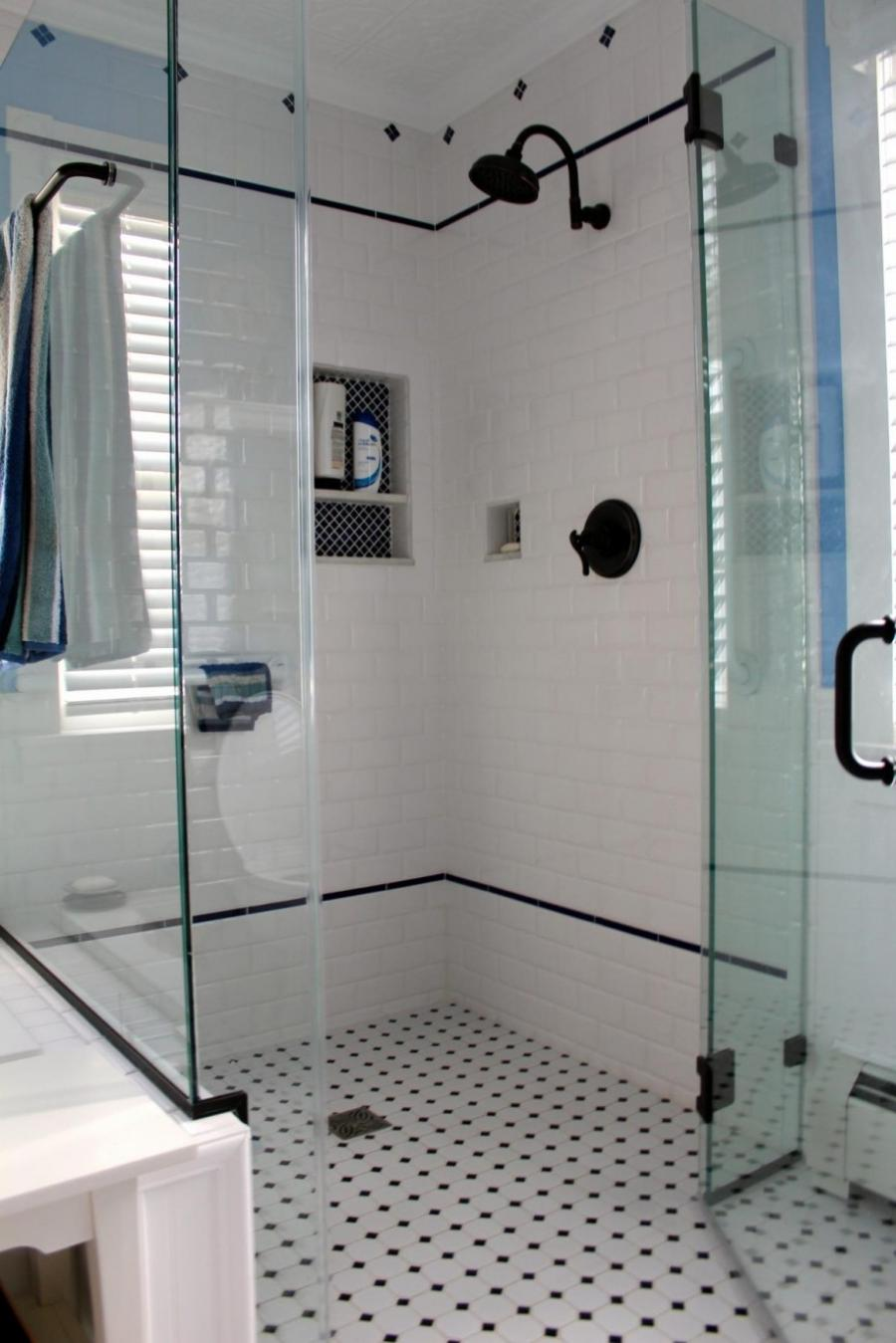 Black and white vintage bathroom photos for Old tile bathroom ideas