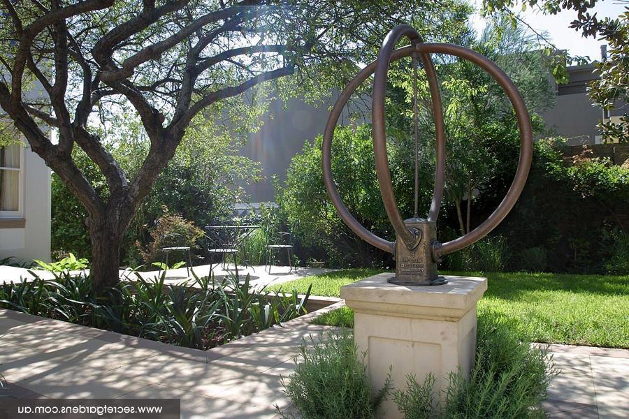 Formal garden design photos for Formal english garden designs