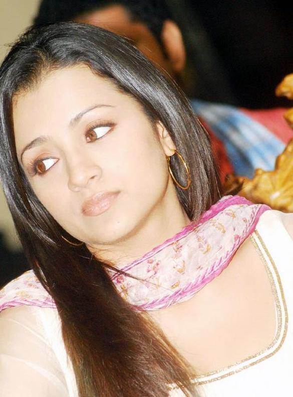 Trisha krishnan bathroom photos without dress for Trisha bathroom videos photos