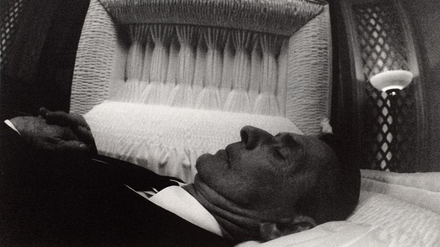Photos Of Dead Bodies In Caskets