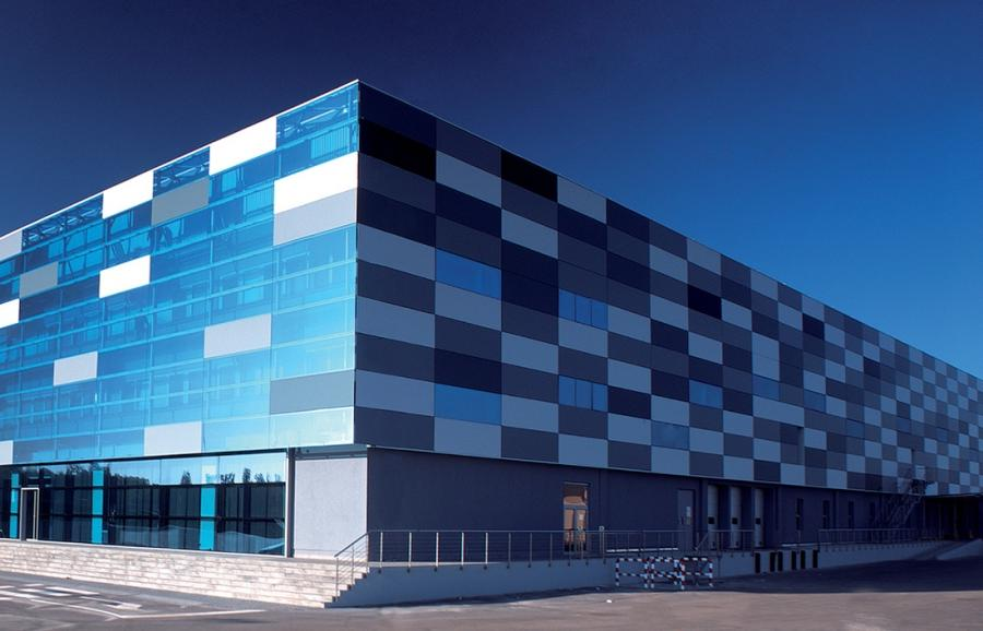 QuadroClad™ Glass Facade Panels / Hunter Douglas Contract