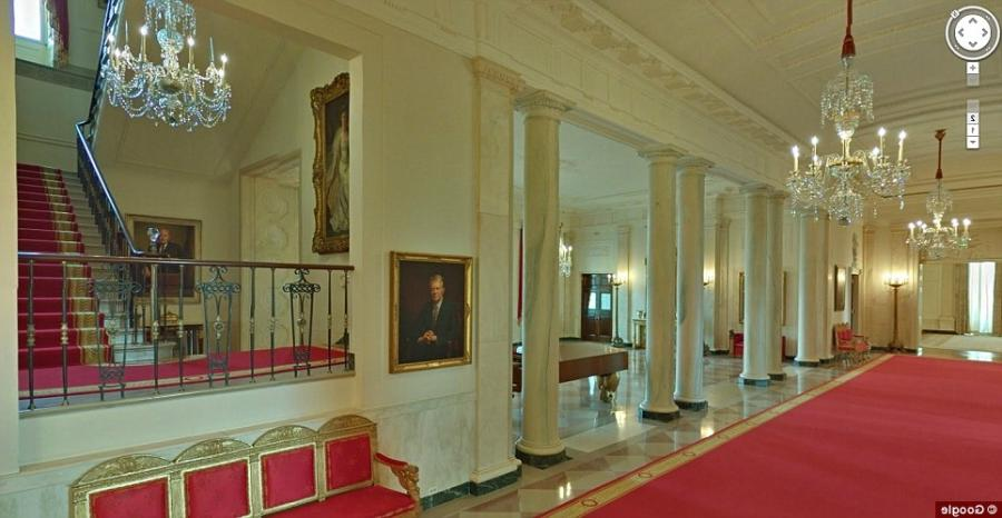 Photos of the white house entrance hallway for 360 degree house tour