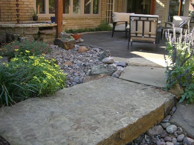 River rock garden photos for Landscaping rocks dallas