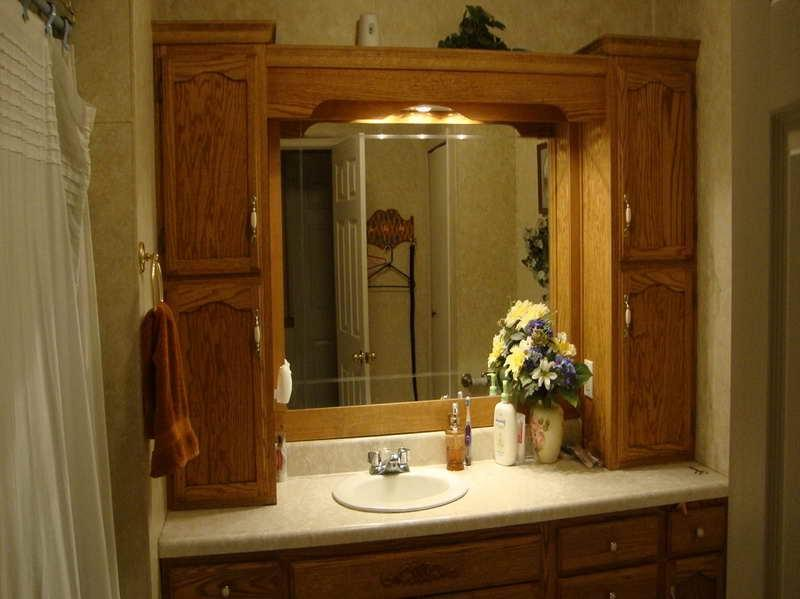 Country style bathrooms photos for Country bathroom ideas photo gallery