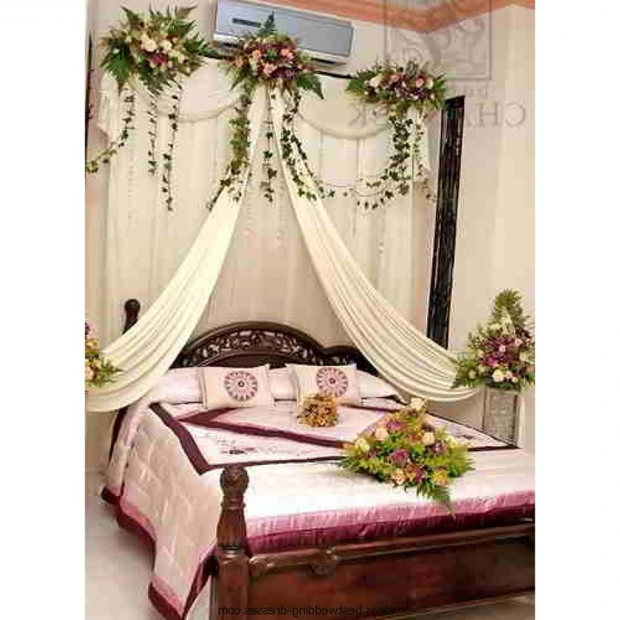 First night room decoration photos for Bed decoration for wedding