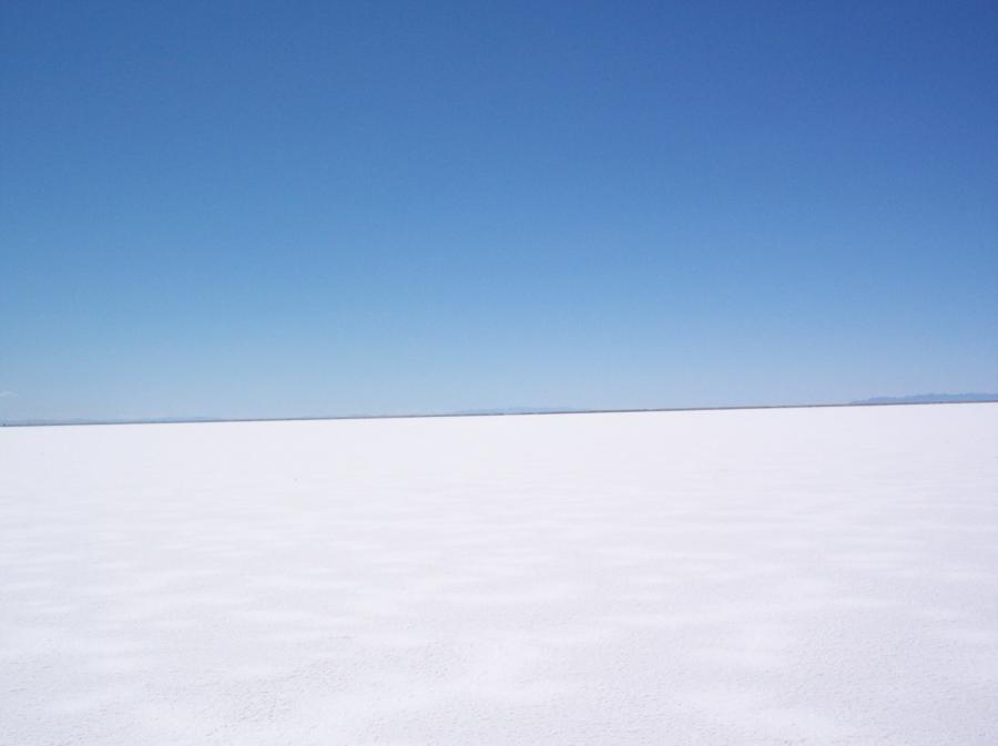 File:Bonneville Salt Flats 001.jpg
