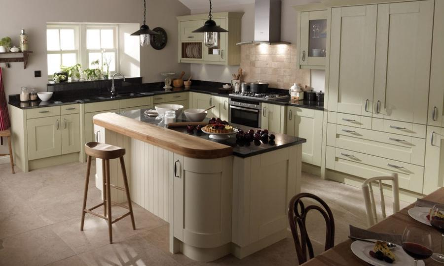Photos cream kitchens for Contemporary fitted kitchens