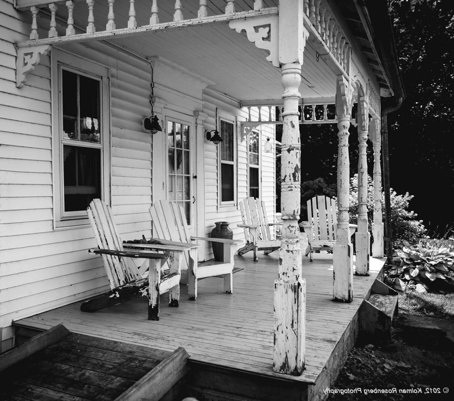 Great Oaks Apartments: Old Farmhouse Porch Photos