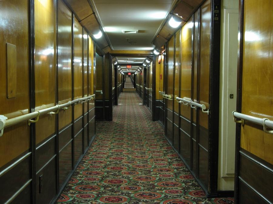File:Queen Mary Hotel Cabin Corridor.jpg