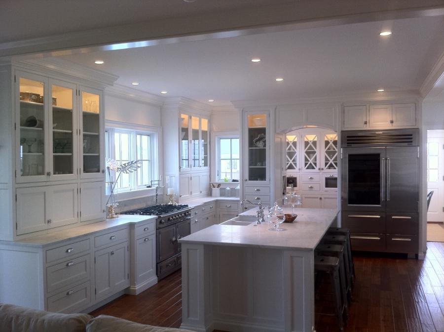 Nantucket kitchen photo for Nantucket style kitchen