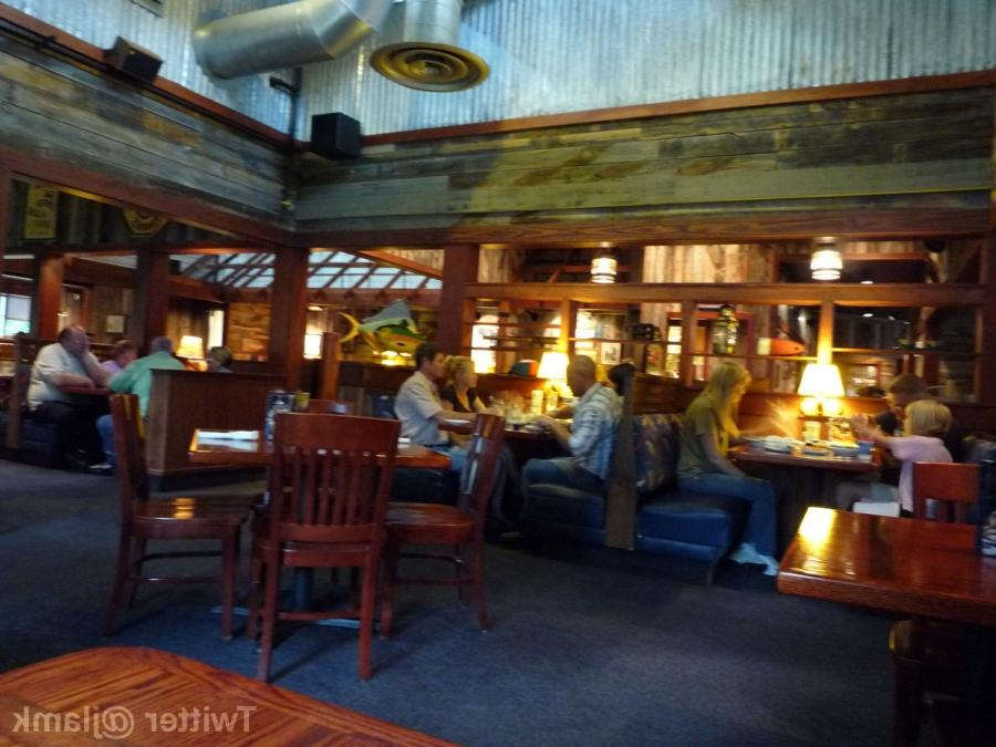 Red Lobster Interior Photo
