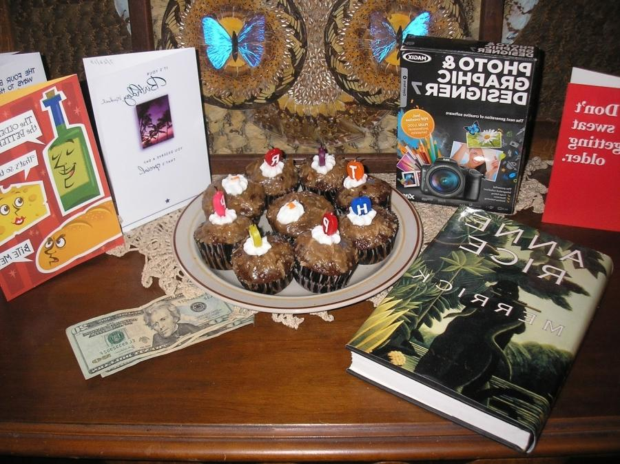 My cupcakes, books and all the great things that came