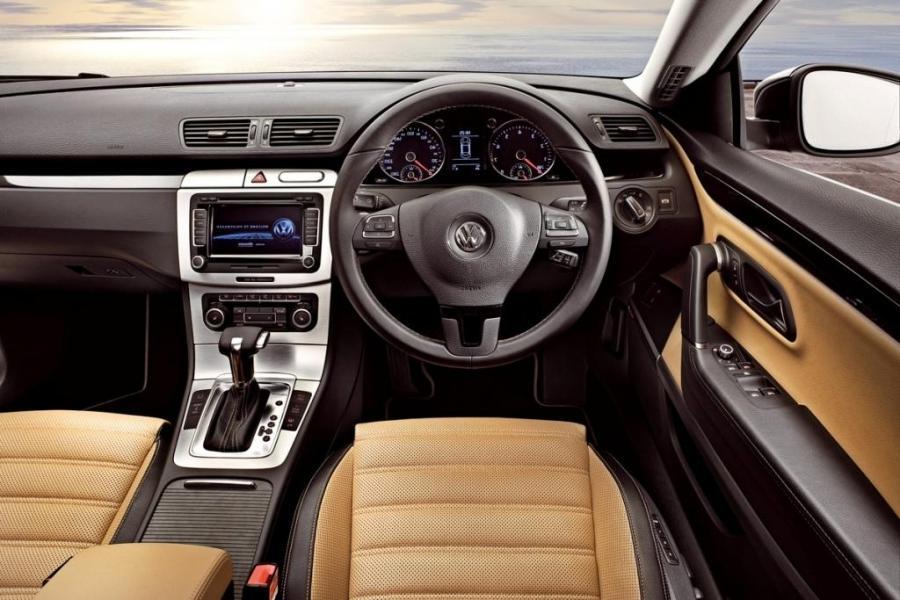 Volkswagen Passat Photos Interior