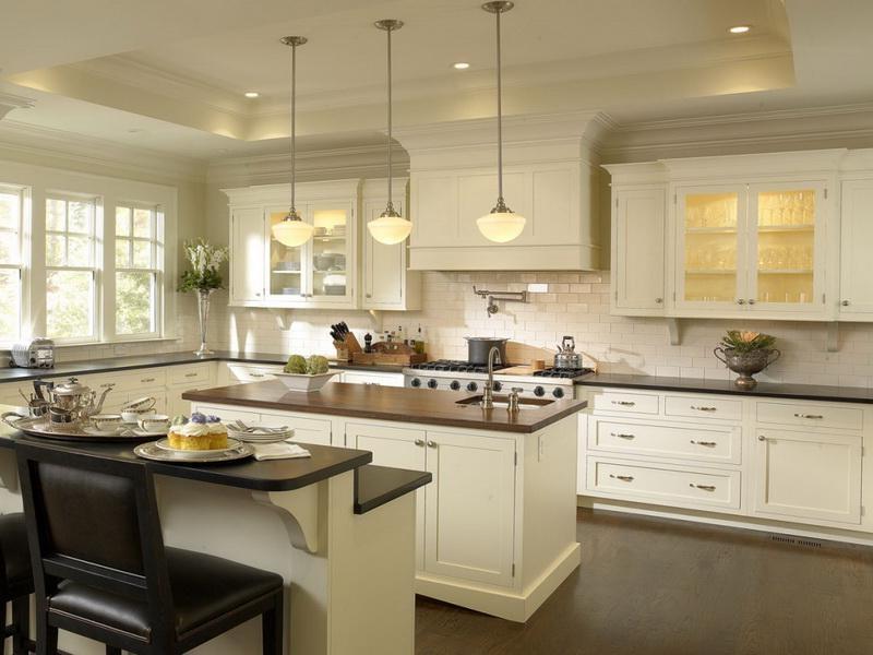 Cream kitchen designs photos for Butter cream colored kitchen cabinets