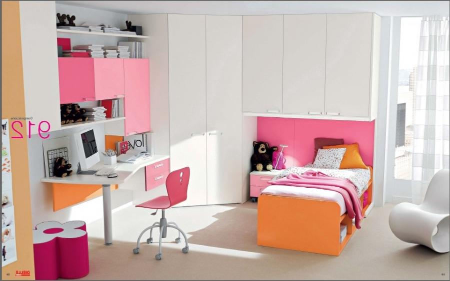pink and orange room