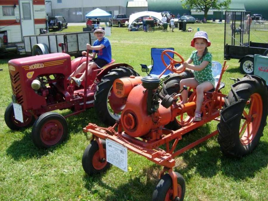Vintage Lawn And Garden Tractors : Antique garden tractor photos