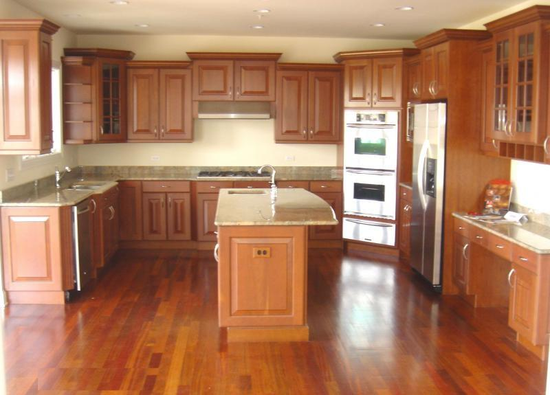 Photos homes for sale with kitchens with cherry cabinetry for Brazilian cherry kitchen cabinets