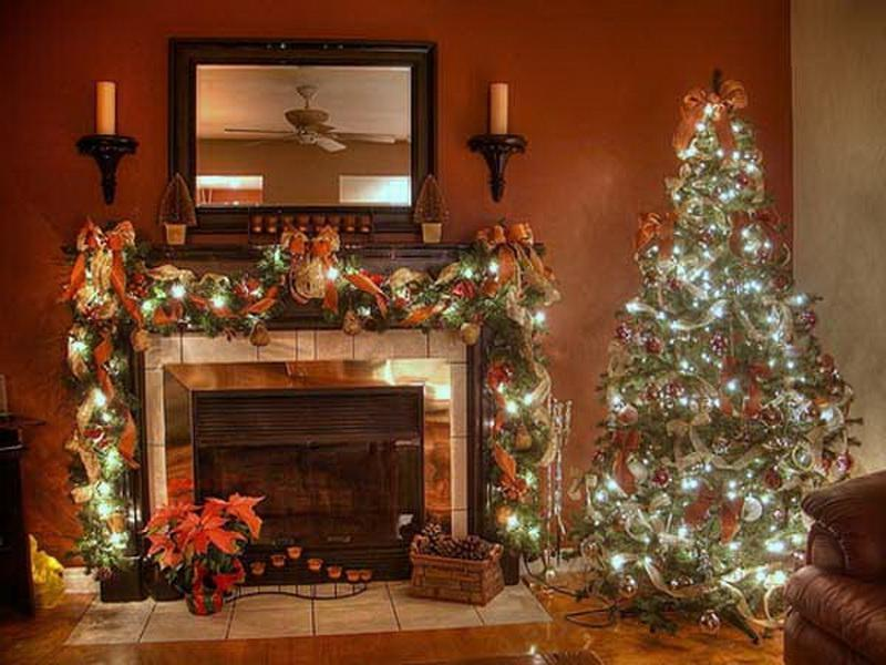 Photos of decorated living rooms for christmas for Old fashioned living room designs