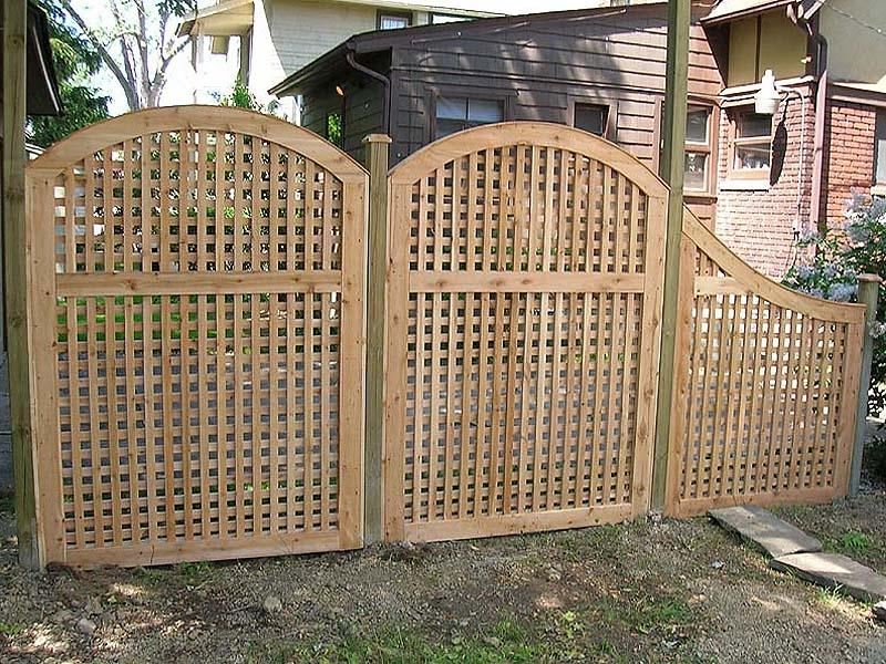 wood arched square lattice by Elyria Fence