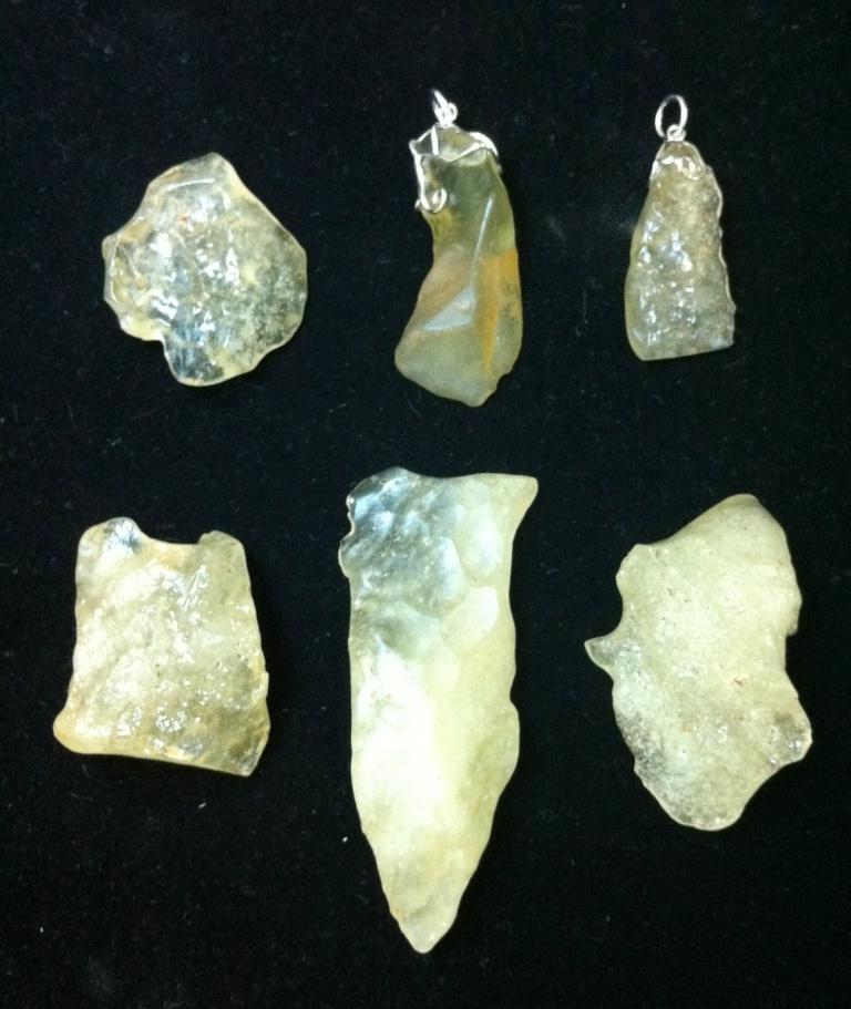 Photos of tektite glass