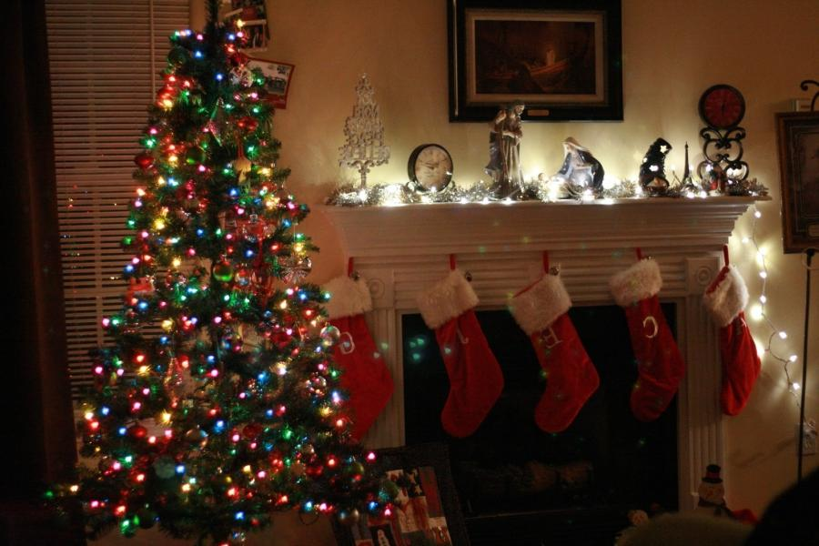 Decorations: Amazing Decorating Mantels For Christmas With Cool...