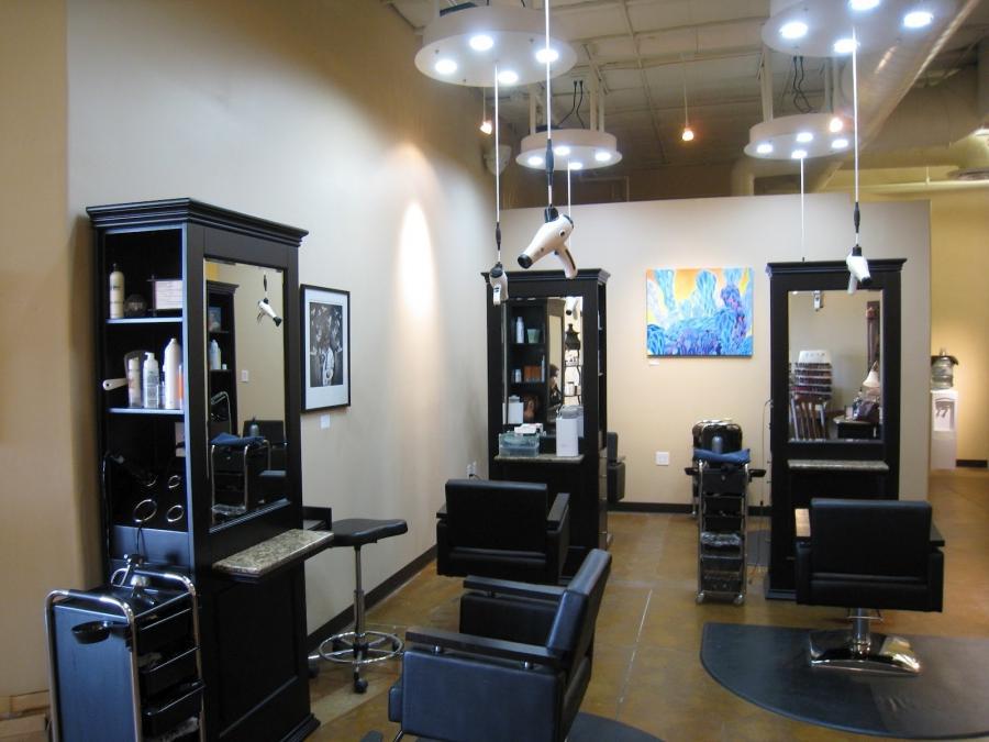 Photos beauty salons decoration ideas for Beauty parlour interior designs