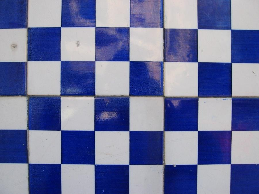 File:Blue and white tiles.jpg