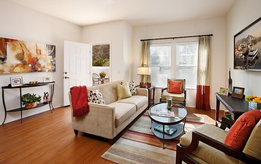 Apartment Models / Home Staging.