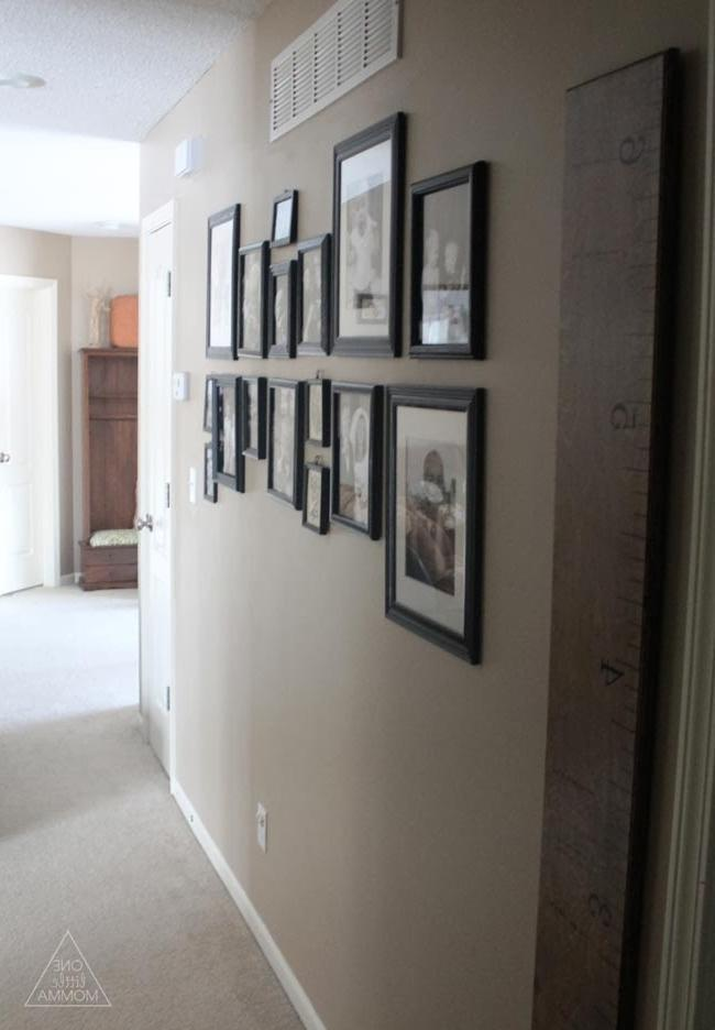 Black and white hallway photo gallery tutorial- this easy and...
