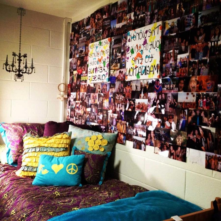 Dorm room photo display ideas Indie room decorations