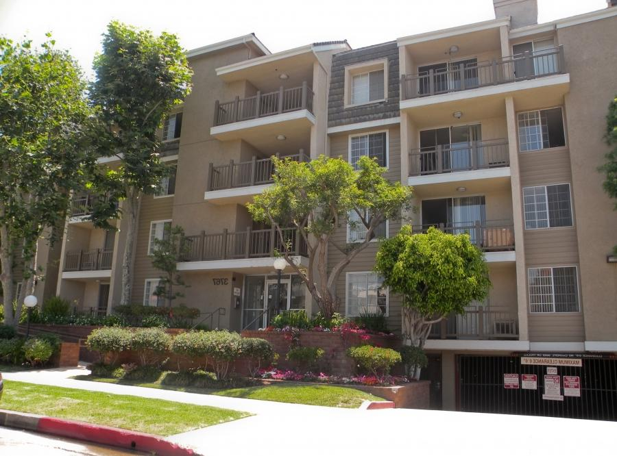... Keystone/Mentone Apartments, 3767-3777 Mentone Ave