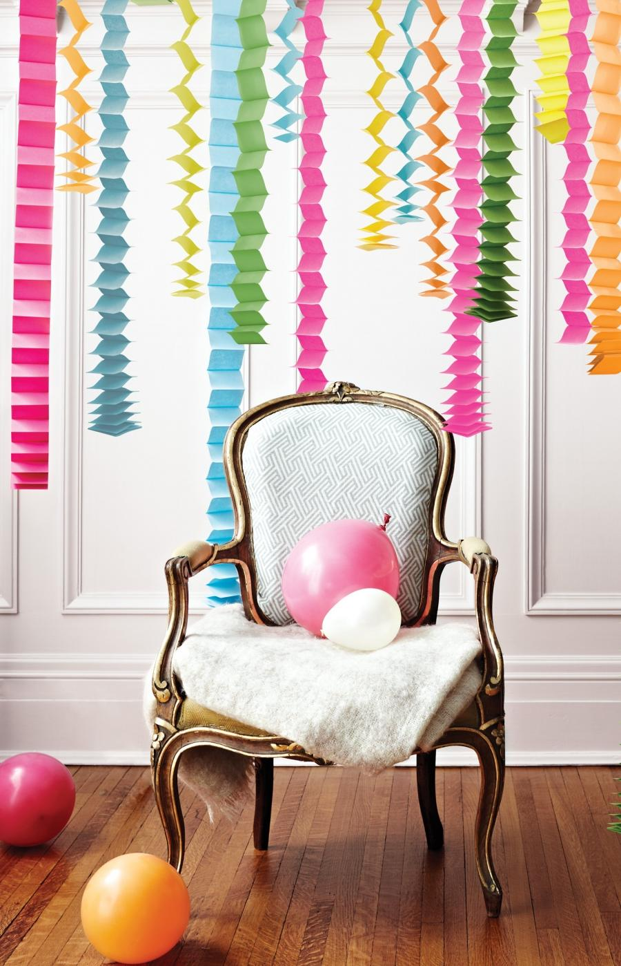 Accordion streamers, party decorations, Jan 13, p146