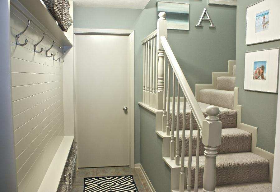 Turn a narrow hallway into a mudroom (The Creativity Exchange)