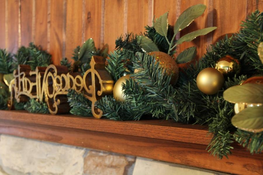 Chic On A Shoestring Decorating Sprucin Up My Christmas Mantel