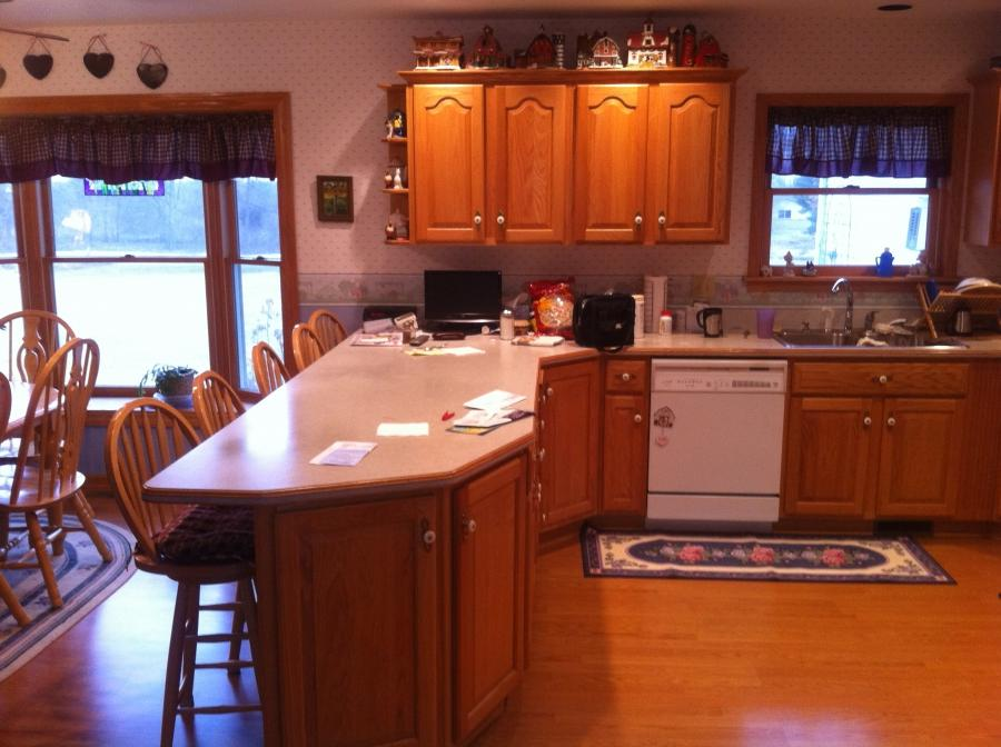 Photos of ranch style kitchens for Ranch style kitchen cabinets
