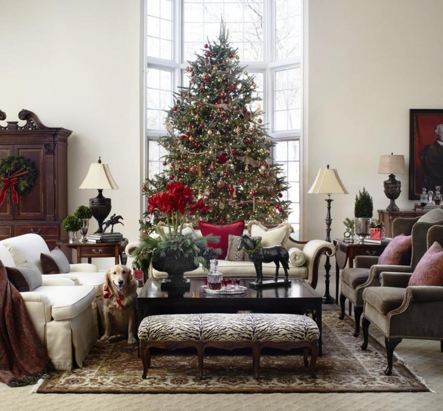 Photos of decorated living rooms for christmas for Christmas ideas for living room