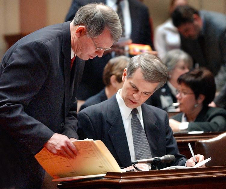 Senators John Marty (DFL-Roseville), left, and Steve Dille...