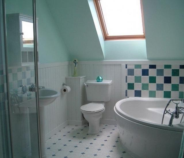 Small Attic Bathroom Interior Inspiration