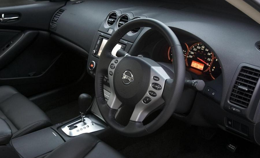 Nissan Altima Interior Photos