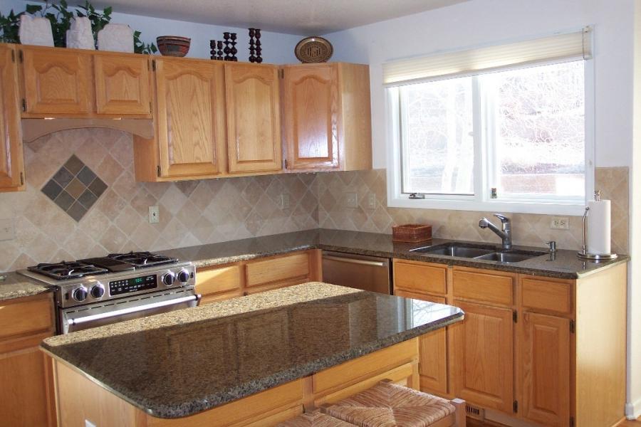 Tumbled marble tile backsplash photos for Kitchen designs namibia