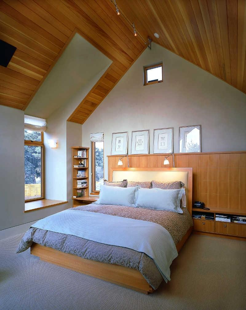 Decorating ideas for attic bedrooms photos for Attic decoration