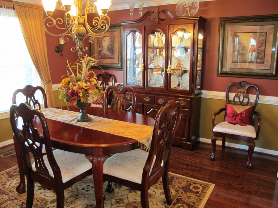 Tuscan style dining room photos for Tuscan dining room