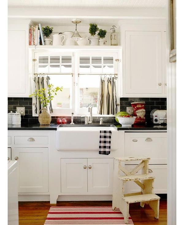 Backsplashes With White Cabinets: Black And White Kitchen Backsplash Photos