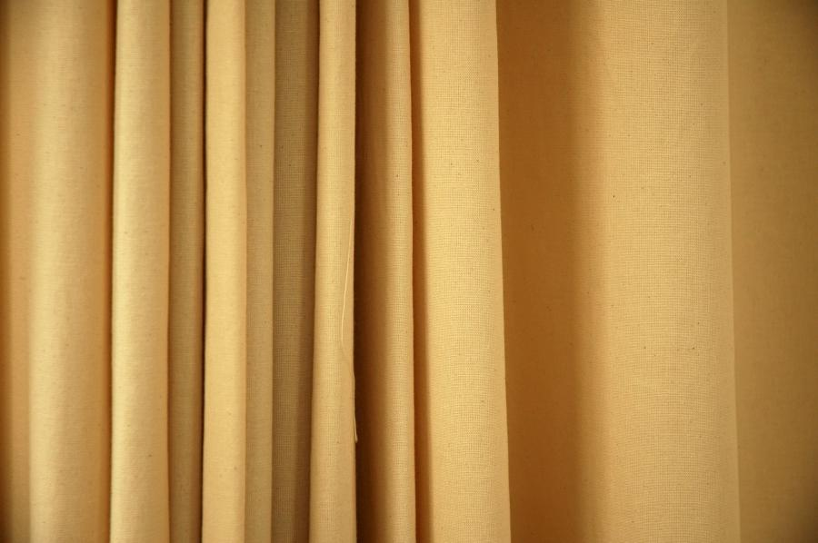 As curtains can cost a lot of money it makes good sense to keep...